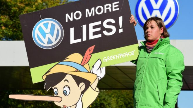 El escándalo de la industria automovilística. Volkswagen se enfrenta a indemnizaciones millonarias y a varios procesos judiciales.
